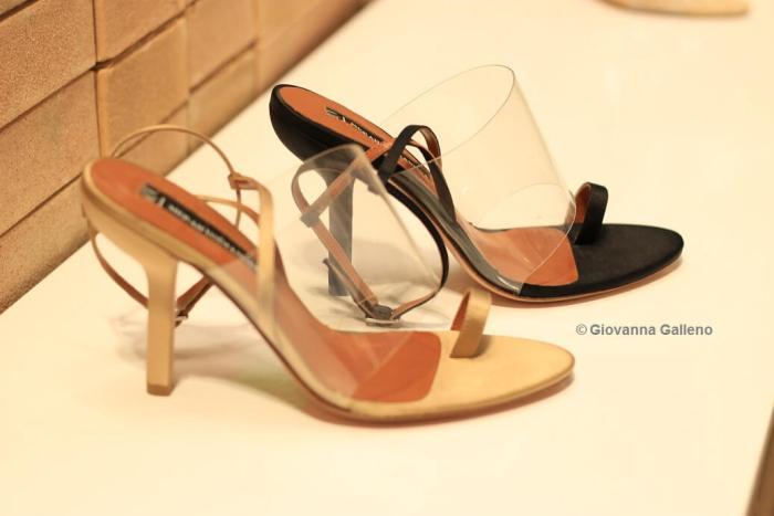 Merah Vodianova MICAM86 zapatos transparentes color carne y negro - Photo by Giovanna Galleno